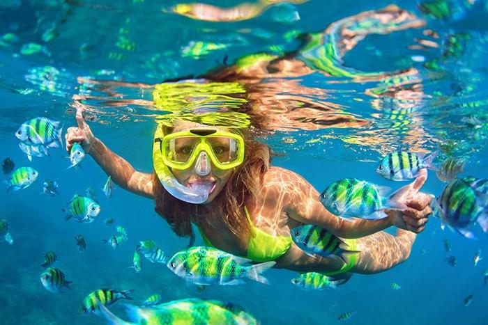 Snorkeling-Mandolin-Bunaken-Island-Indonesia