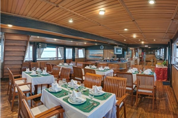 SeaSafari8-Restaurant