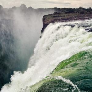 waterfall-2227010_1921